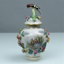 Dresdener-Porzellan mit Blumen-Motiv