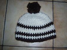 Mütze Boshi Mütze handgehäkelt mit Benevito natur braun mit Pommel