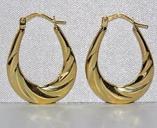 BEAUTIFUL 9 CT YELLOW GOLD OVAL DETAILED CREOLE HOOP EARRINGS