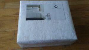 Hotel Collection Plume Full / Queen Comforter Cover (duvet) white