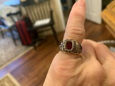 10K SOLID GOLD RUBY WOMANS CLASS RING SIZE 6.5  6.7 GRAMS EUC