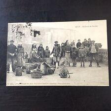 CPA. AULT. 80 - Pêcheurs de Moules. Pêche. Poissons. Vente Poisson. 1924