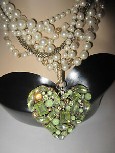 BETSEY JOHNSON MINT COLORED STONE HEART AND FAUX PEARLS  STATEMENT NECKLACE