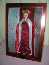 Barbie 2000 - blonde Barbie in red and silver gown, Nrfb
