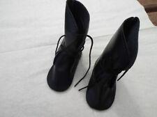 Abbigliamento e scarpe per bambole fashion