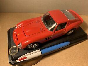 FERRARI 250 GTO 1962 ROUGE BURAGO 1:24 DIE CAST METAL MODEL VINTAGE COLLECTION