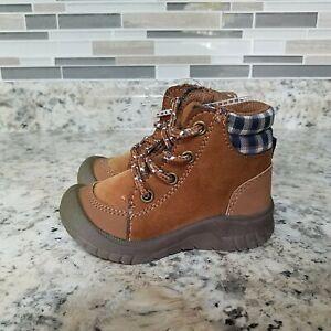 OshKosh B'Gosh infant boys Boots hiking Brown size 5 Washable