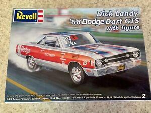 Revell Dick Landry 68 Dodge Dart NHRA Super Stocker