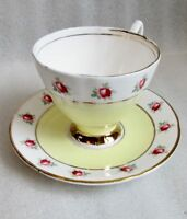 Vintage SANDRINGHAM China 🌹 ENGLAND TEA CUP & SAUCER YELLOW 🌹 ROSE BANDED Gold