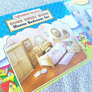 VINTAGE SYLVANIAN FAMILIES: MASTER BEDROOM (SWEET HOME, TOMY 1985!). BRAND NEW!