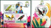Parrots Birds Animals Fauna Madagascar MNH stamp set ODD SHAPE