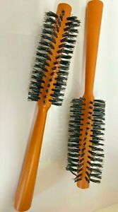 ROUND WOODEN HANDLE HAIRDRESSING BRISTLE CURLING HAIR BRUSH 23CMS (CODE R)