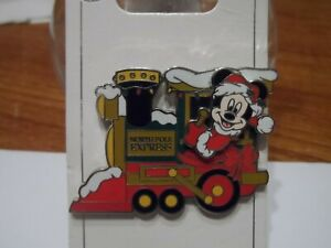 Mickey Mouse driving the North Pole Express Disney Trading Pin BRAND NEW!