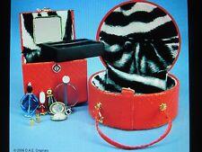 "D.A.E. Originals Accessories -vintage 2006"" METRO STYLE TRAVEL SET  ""  nrfb NEW"