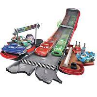 Disney Cars DVF38 Cars Transforming Lightning McQueen Playset
