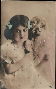AK Kinder, Foto,  Mädchen mit Puppe, Kleinformat