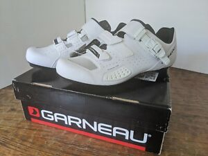 Louis Garneau Copal II size 10 USA ( EU 44 ) White.  with box, new.