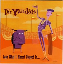 """CD """"LOOK WHAT I ALMOST STEPPED IN..."""" von THE VANDALS (2000) FUN-PUNK"""