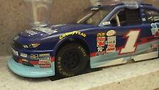 2015 ELLIOTT SADLER ACTION LIONEL ONE MAIN FINANCIAL 1:24 SCALE NASCAR DIE-CAST