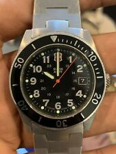 Mens SWISS ARMY MILITARY DIVERS WATCH 330 FT 10 ATM  STAINLESS STEEL Date