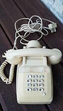 téléphone vintage crème  a touche