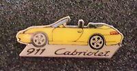 Porsche Pin 911 Cabriolet gelb - Maße 40x15mm