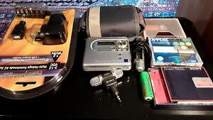 SONY MINIDISC MZ-NH600 HIMD NET MDLP LIKE NEW TOP QUALITY MODEL WITH EXTRAS.