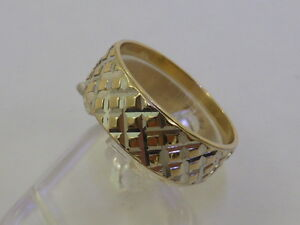 9ct Solid Yellow Gold Retro Chequered Friendship Wedding Ring size O