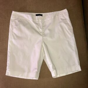 Apostrophe Naomi White Walking Shorts Flat Front Longer Length Women's Size 16