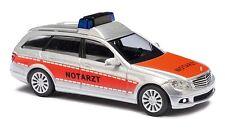 """BUSCH 43656  Mercedes-Benz C-Klasse T-Modell """"Notarzt"""" Automodell in """"Elegance""""-"""