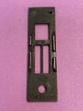 *NOS* 161255 THROAT PLATE FOR SINGER SEWING MACHINE *FREE SHIPPING*