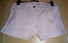Short blanc coupe classique taille 42