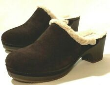 CROCS brown suede SARAH sherpa lined DUAL COMFORT clogs 9 mules OUTSTANDING