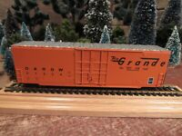 Vintage Roundhouse Built Model Railroad Train Car Ho Gauge - READY TO PULL! (G1)