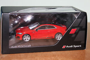 SPARK 1:43 AUDI DEALER COLLECTION AUDI RS 5 COUPE MISANO RED