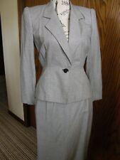 2989) Vntg Michelle Stuart Petite Size 2 Ladies 2 Piece Suit Black/White Check