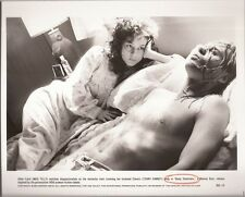 PF Body Snatchers ( Meg Tilly , Terry Kinney )