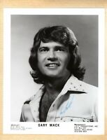 GARY MACK SIGNED 8x10 SIGNED PRESS PHOTO-COUNTRY MUSIC-