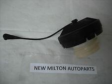 A GENUINE TOYOTA COROLLA AND AVENSIS MK2  2003-2008  ORIGINAL FUEL PETROL CAP