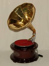 Grammophon rund schwarzrot Trichter glänzend gold + Album mit Schellackplatten