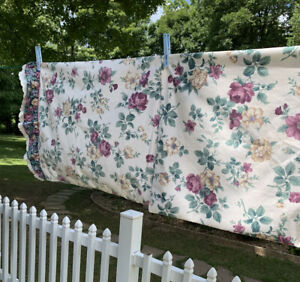 Vintage Floral & Ruffles JcPenny PAIR OF STANDARD PILLOW CASES EUC