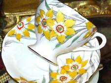 HAND PAINTED DAFFODIL FLORAL TEA CUP AND SAUCER GLADSTONE ENGLAND