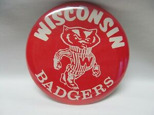 Wisconsin Badgers Bucky Pinback Pin Vintage - Excellent Condition
