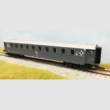 Carrozza passeggeri di 2a classe delle FS - Art. Roco 74602