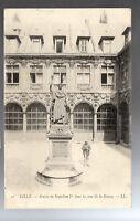 CPA 59 LILLE statue de napoleon 1er dans la cour de la bourse