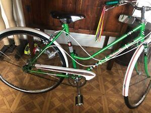 Vintage Malvern Star girls Bicycle
