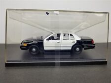 FORD CROWN VICTORIA POLICE CAR BLK/WHT BLANK DIE CAST 1/27 BY WELLY WE-SH2082S
