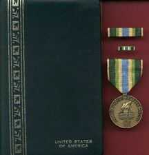 Armed Forces Service medal in case with ribbon bar and lapel pin