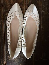 Atmosphere Ballet Flats Size 3/36 Cream Patent Point Laser Cut Out Pattern White