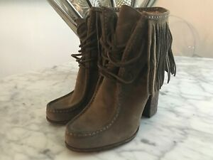 Women's Frye Parker Gray Distressed Suede Fringed Ankle Boots Booties Size 7M.